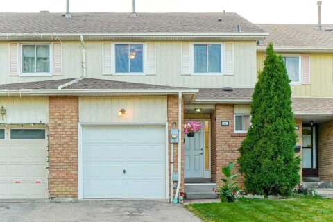 Townhouse for rent at 22 Rusthall Wy Brampton Ontario - MLS: W4989149
