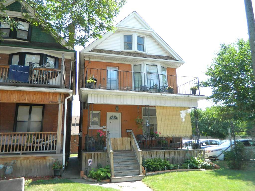 Townhouse for sale at 22 Stirton St Hamilton Ontario - MLS: H4060449