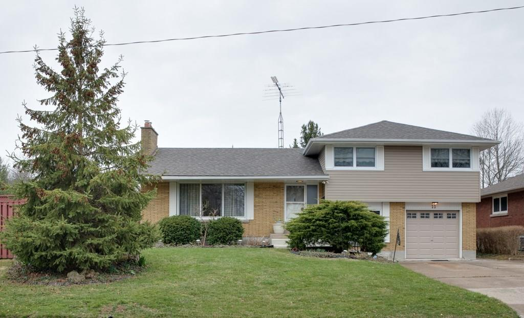 For Sale: 22 Strathmore Road, St Catharines, ON | 3 Bed, 2 Bath House for $499,000. See 25 photos!