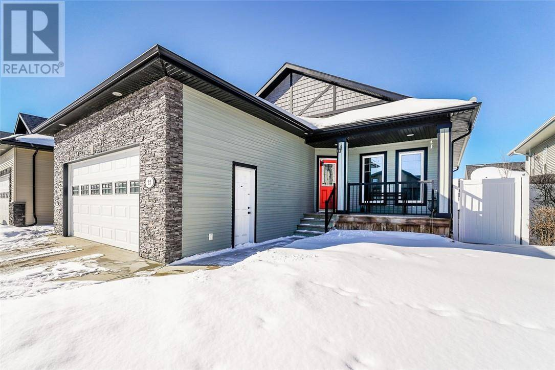 22 Sutherland Close, Red Deer | Image 1