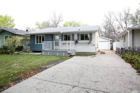 House for sale at 22 Young Cres Regina Saskatchewan - MLS: SK787942