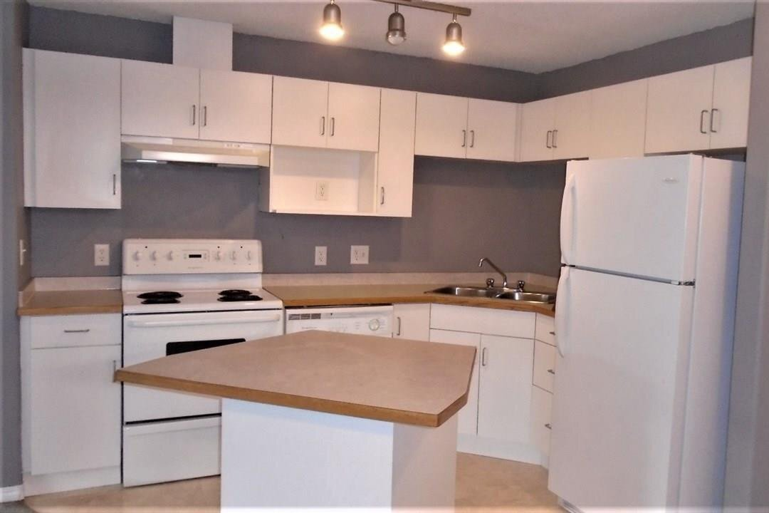 Condo for sale at 16221 95 St NW Unit 220 Edmonton Alberta - MLS: E4213493