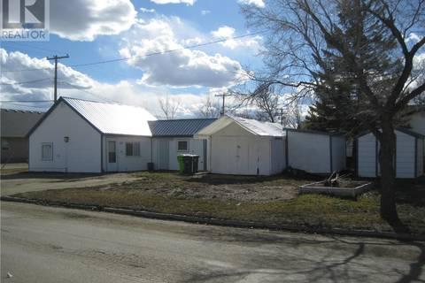 House for sale at 220 1st Ave E Rosetown Saskatchewan - MLS: SK767022