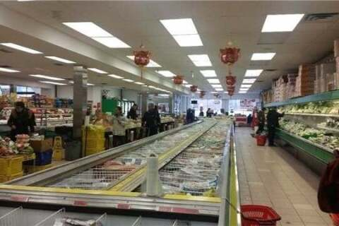 Commercial property for sale at 220 King St Kitchener Ontario - MLS: X4820843