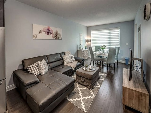 Sold: 220 - 325 South Park Road, Markham, ON