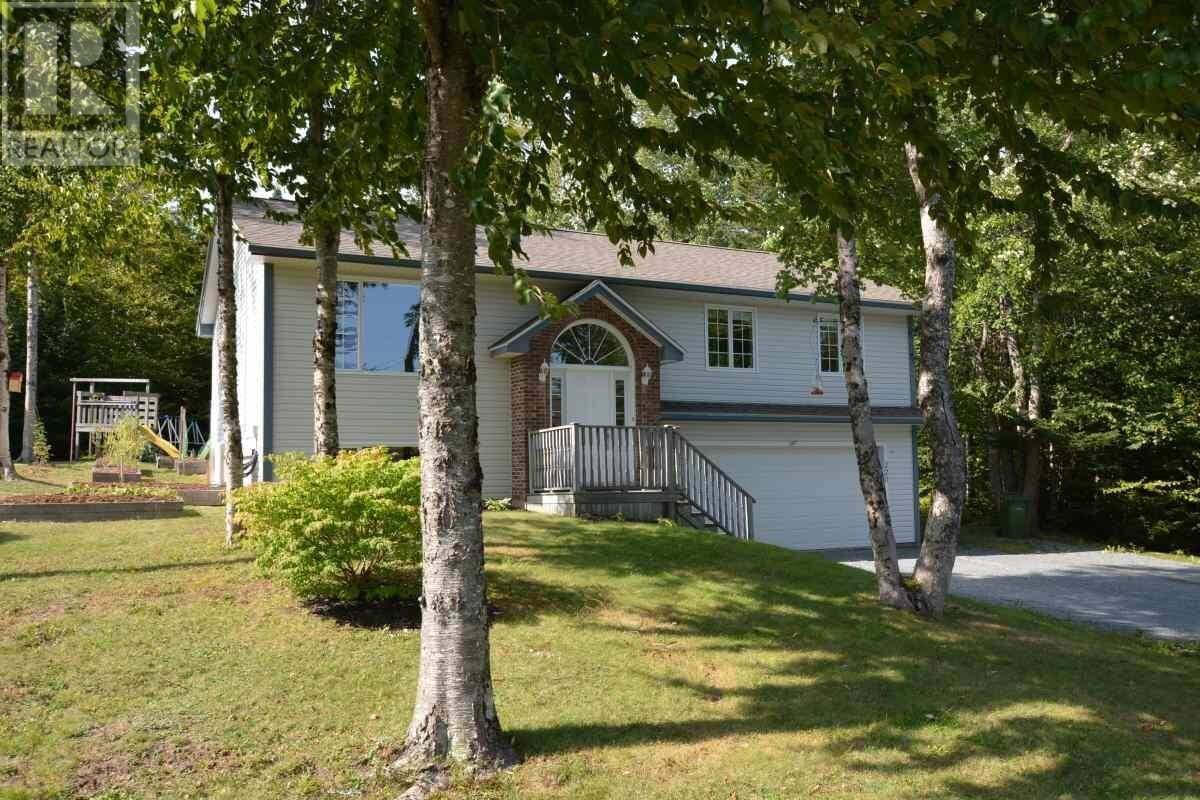 House for sale at 220 Lakeview Ave Middle Sackville Nova Scotia - MLS: 202019121