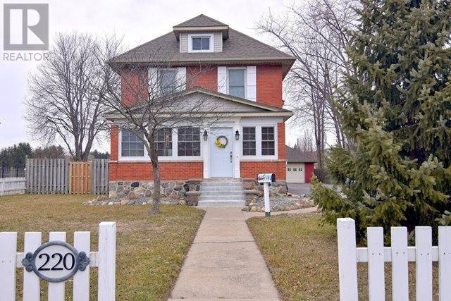House for sale at 220 Main St East Kingsville Ontario - MLS: 20002270