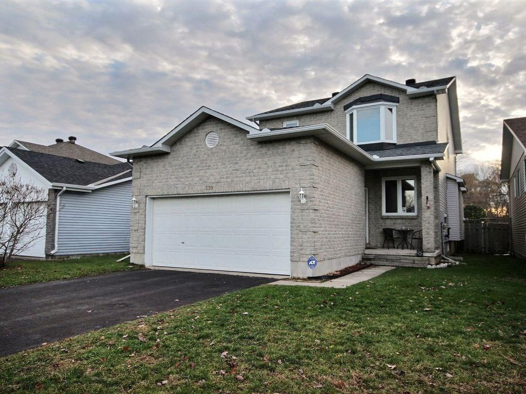Removed: 220 Stiver Street, Russell, ON - Removed on 2017-11-08 09:05:52