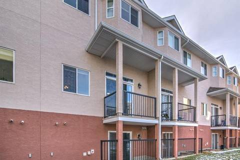 Townhouse for sale at 220 Strathcona Circ Strathmore Alberta - MLS: C4276503