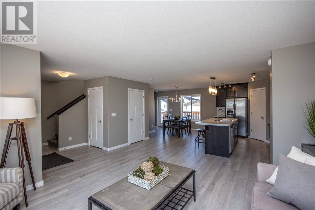 220 Thomlison Avenue, Red Deer | Image 2
