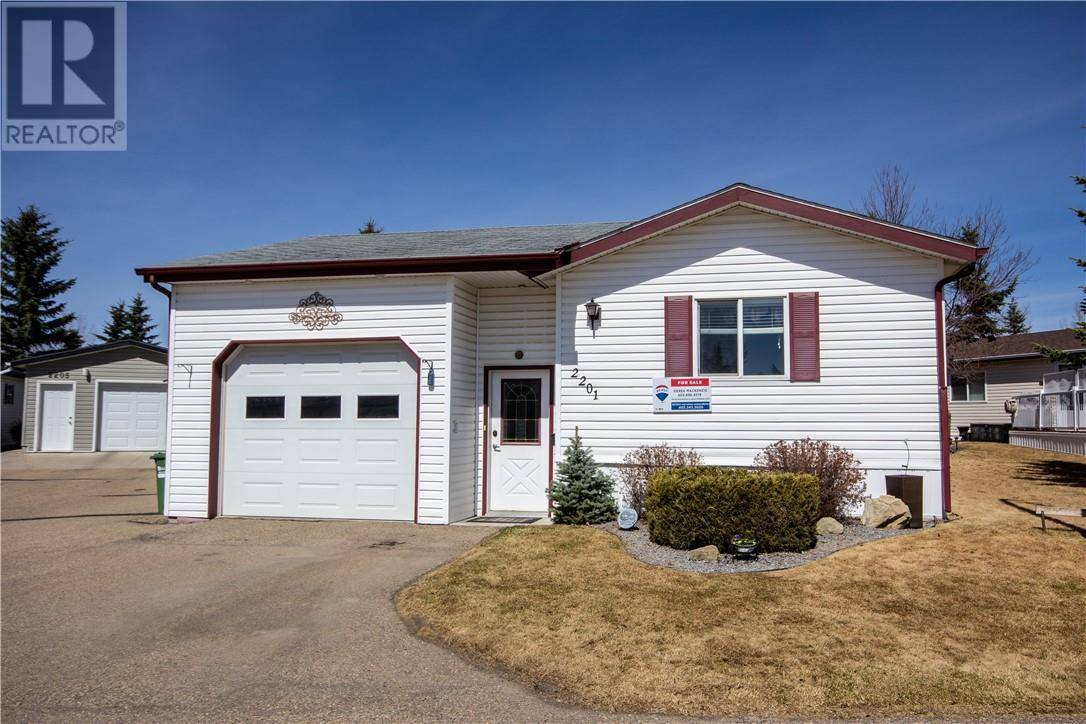 Home for sale at 2201 Danielle Dr Red Deer Alberta - MLS: ca0190881