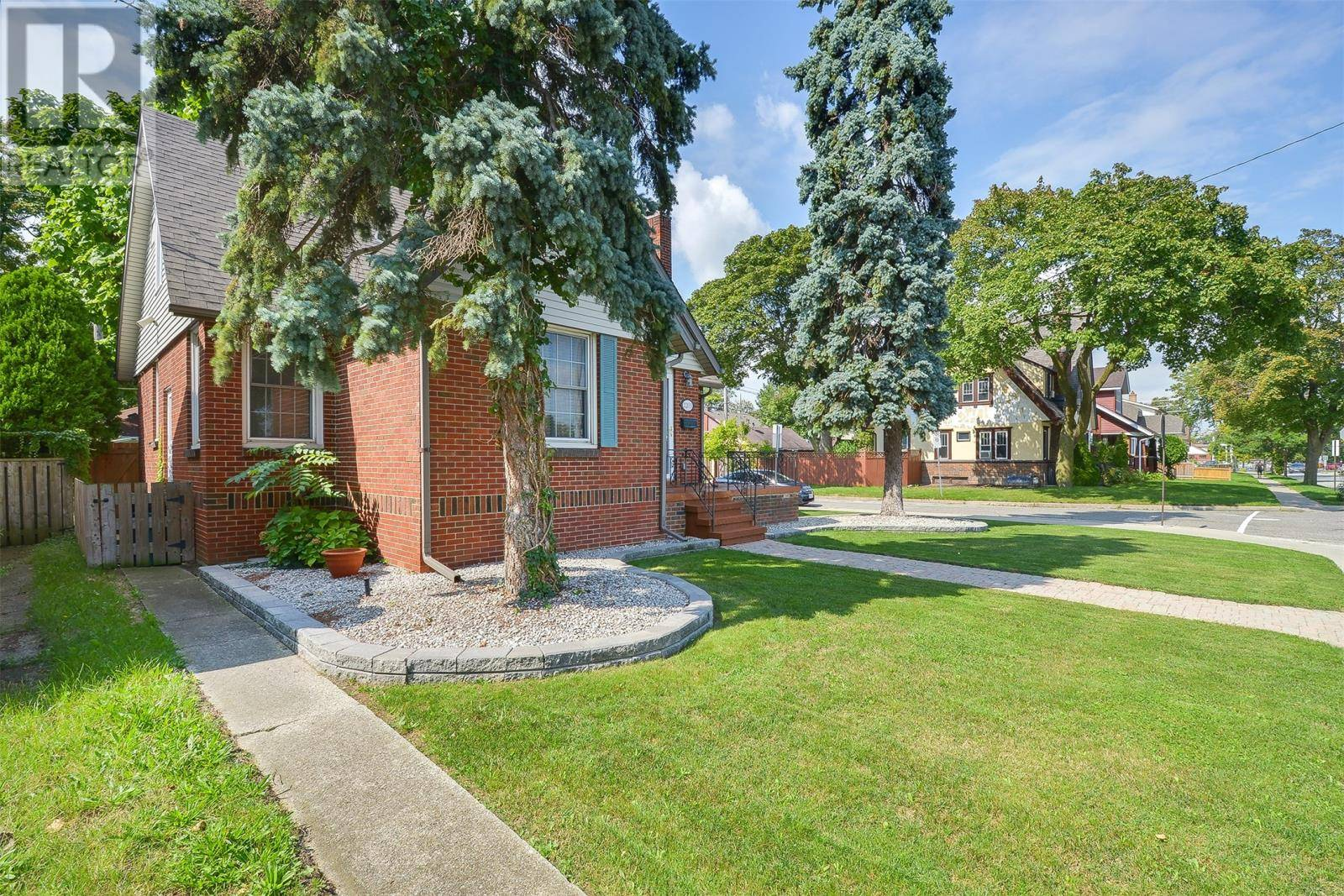 House for sale at 2203 Kildare  Windsor Ontario - MLS: 19025528