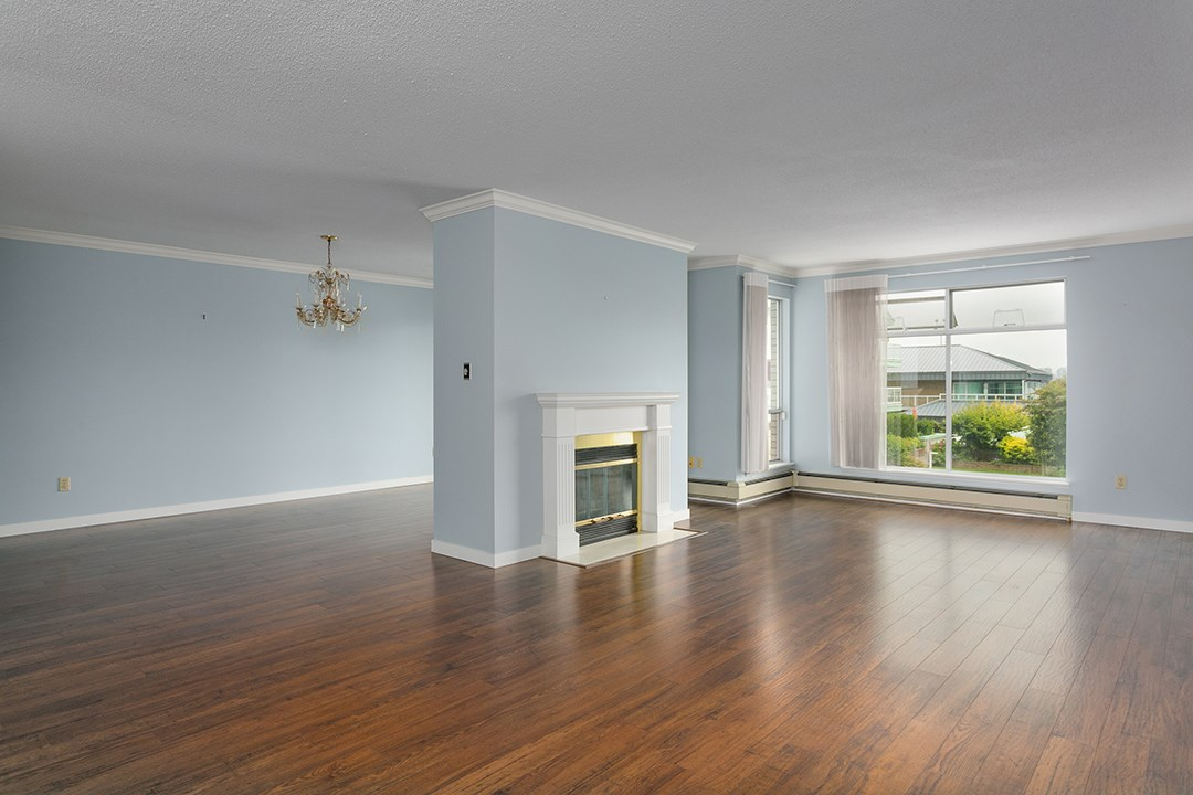 For Sale: 2204 - 33 Chesterfield Place, North Vancouver, BC | 2 Bed, 2 Bath Condo for $1,098,000. See 20 photos!