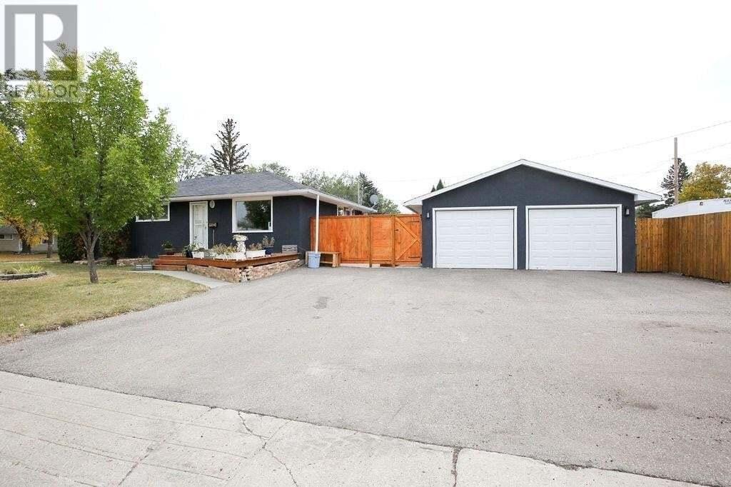 House for sale at 2205 4th Ave N Regina Saskatchewan - MLS: SK827646