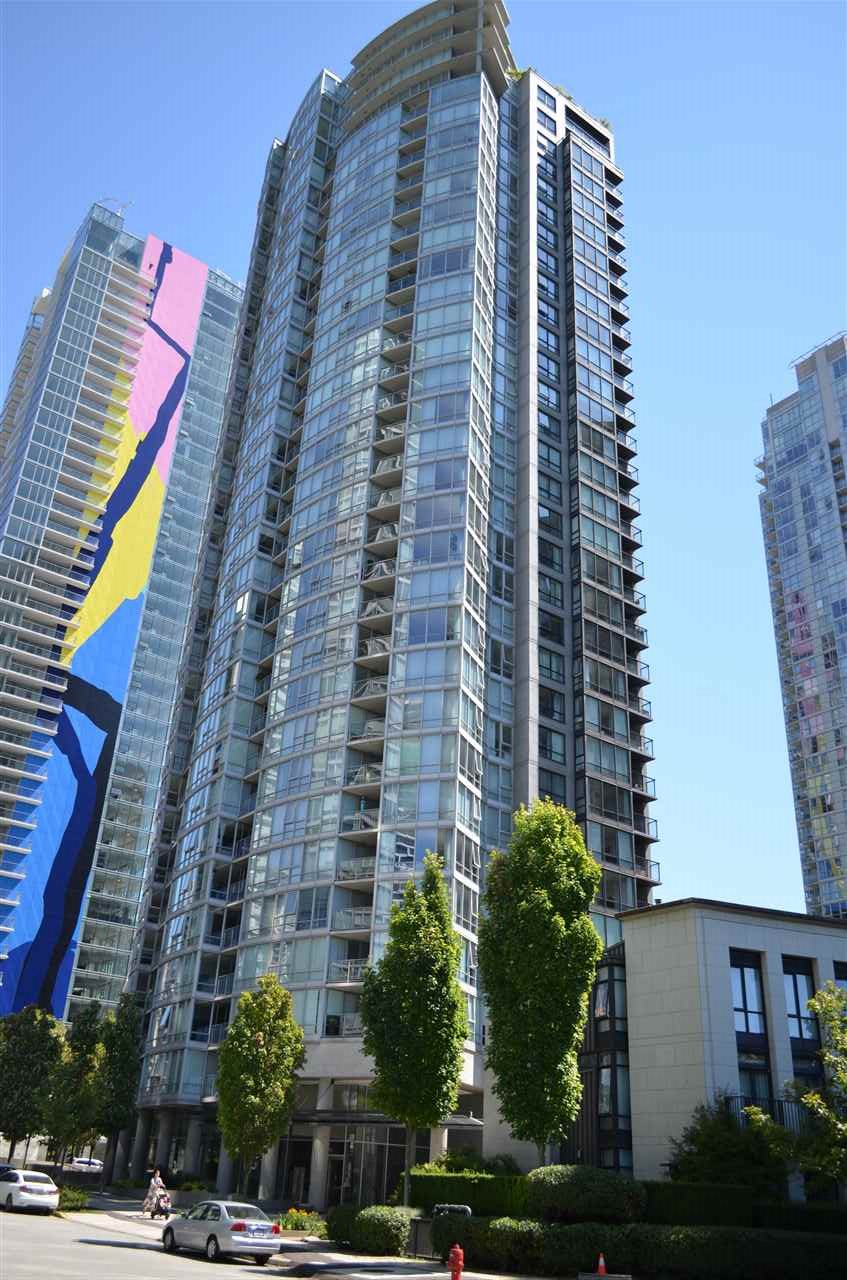 Buliding: 1438 Richards Street, Vancouver, BC