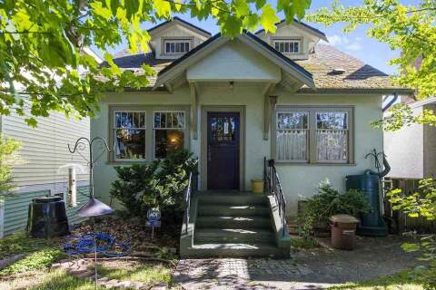 House for sale at 2206 7th Ave E Vancouver British Columbia - MLS: R2499809