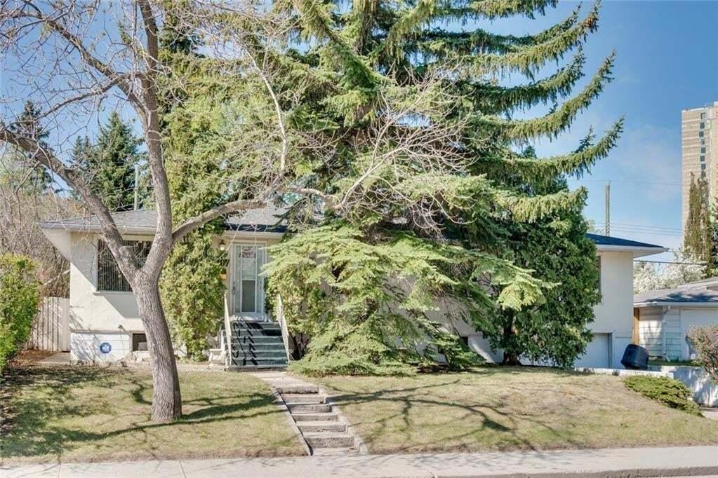 House for sale at 2207 Halifax Cr NW Banff Trail, Calgary Alberta - MLS: C4299152