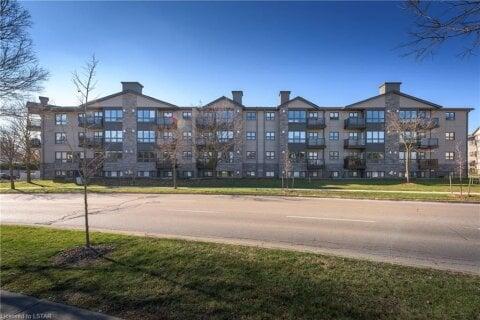 Home for sale at 1 Jacksway Cres Unit 221 London Ontario - MLS: 40045014