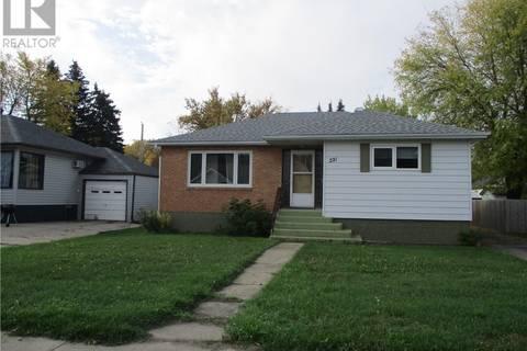 House for sale at 221 7th Ave E Melville Saskatchewan - MLS: SK786730