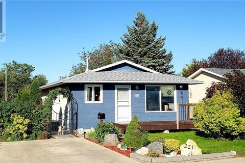 House for sale at 221 Aspen Dr Swift Current Saskatchewan - MLS: SK785396