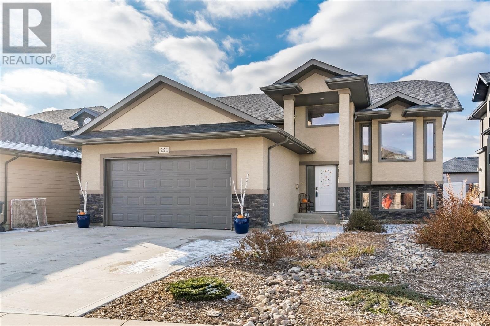House for sale at 221 Augusta Dr Warman Saskatchewan - MLS: SK831137