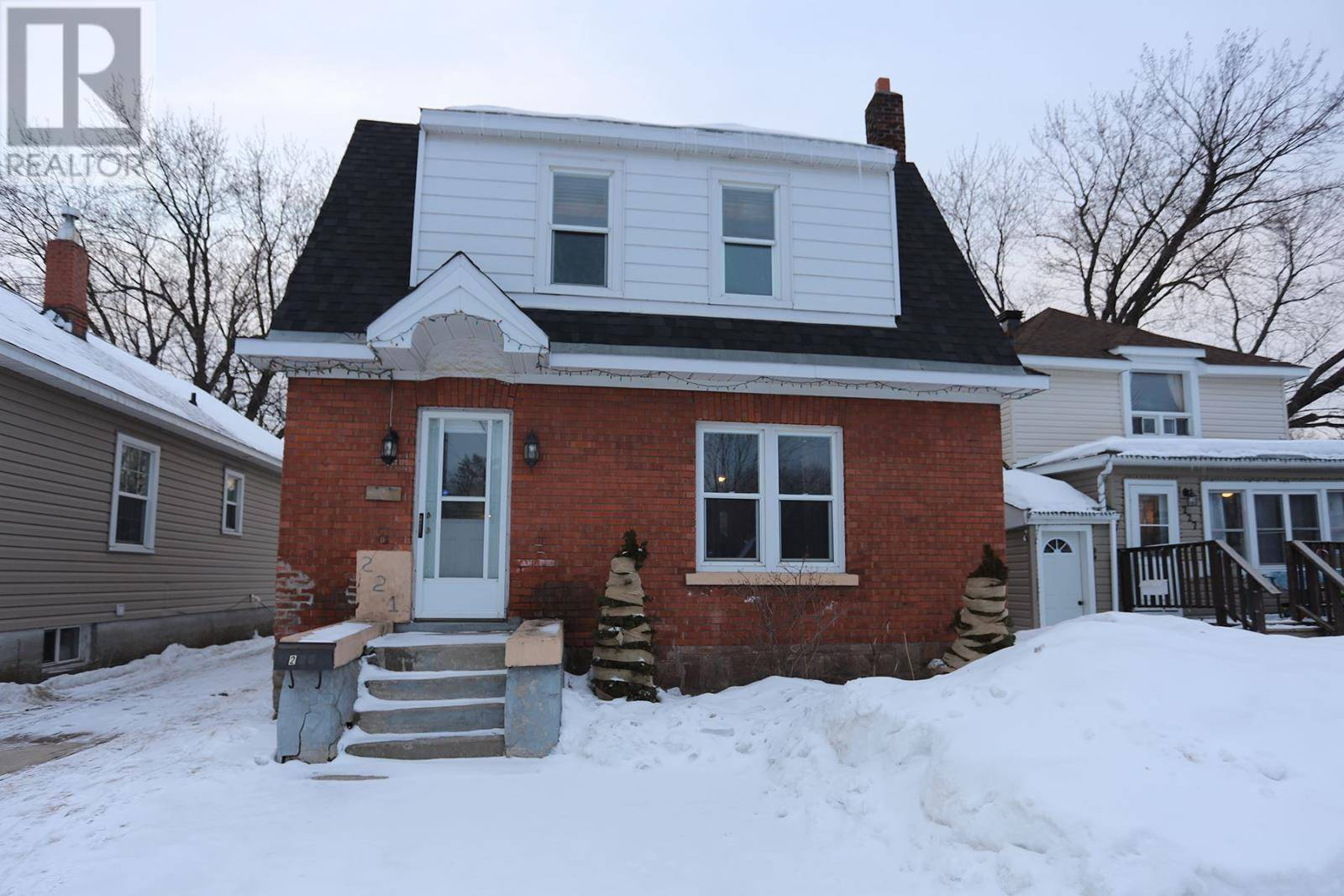 House for sale at 221 John St Sault Ste. Marie Ontario - MLS: SM127906