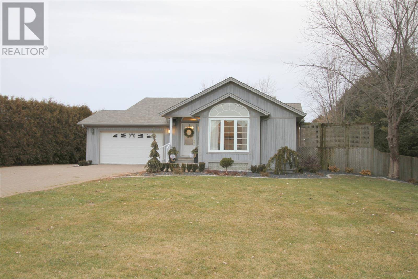 House for sale at 221 Mersea Rd 3  Leamington Ontario - MLS: 20001555