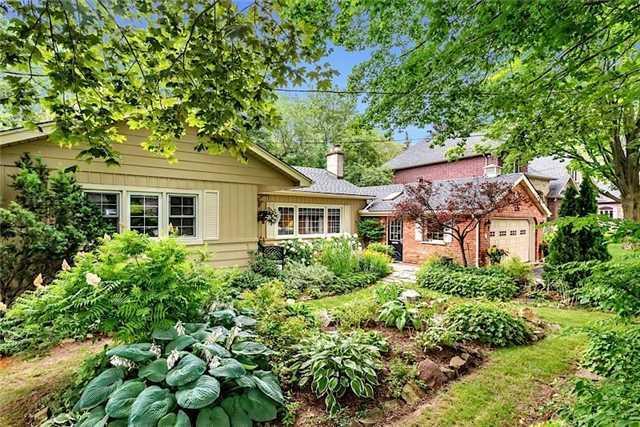Sold: 221 Rosemary Lane, Hamilton, ON
