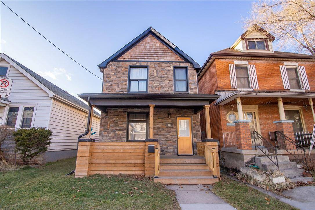 House for sale at 221 Rosslyn Ave N Hamilton Ontario - MLS: H4070893