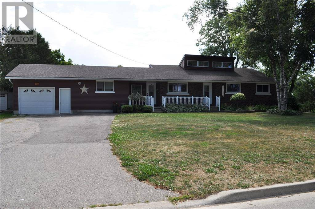 House for sale at 221 St Andrew St Perth Ontario - MLS: 30758001