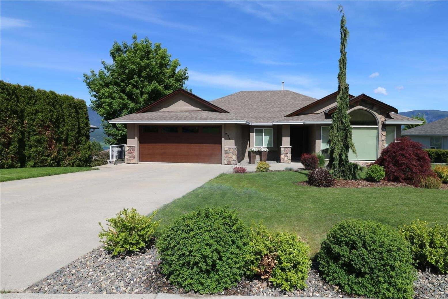 House for sale at 2211 4 Ave Southeast Salmon Arm British Columbia - MLS: 10207195