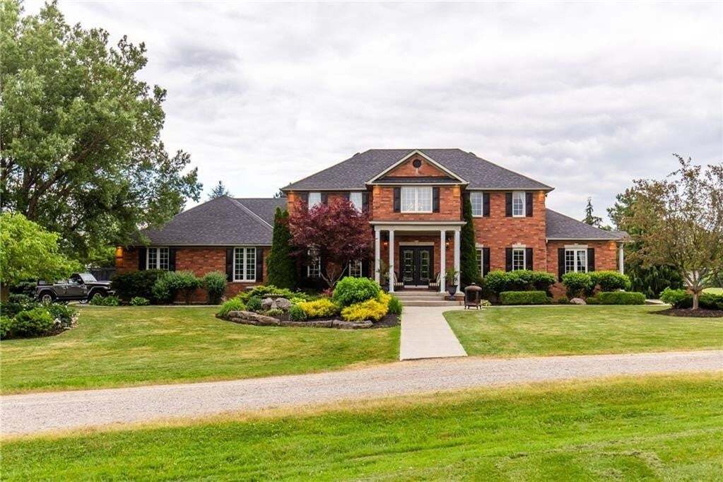 Residential property for sale at 2211 Miles Rd Glanbrook Ontario - MLS: H4083837