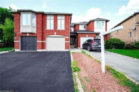 Townhouse for sale at 2216 Pell Cres Oakville Ontario - MLS: W4919806