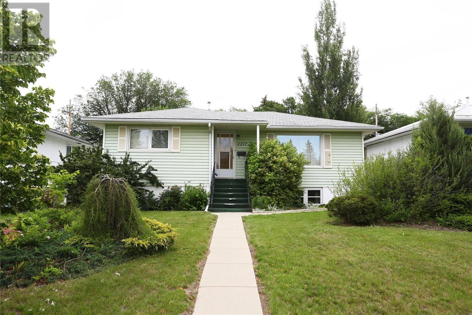 House for sale at 2217 Broadway Ave Saskatoon Saskatchewan - MLS: SK783624