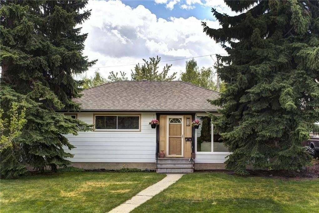House for sale at 2219 Glenwood Dr SW Glendale, Calgary Alberta - MLS: C4300686