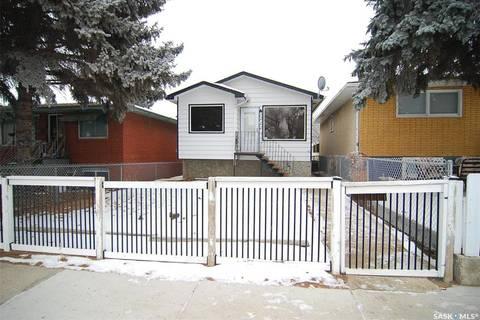House for sale at 222 M Ave N Saskatoon Saskatchewan - MLS: SK795772