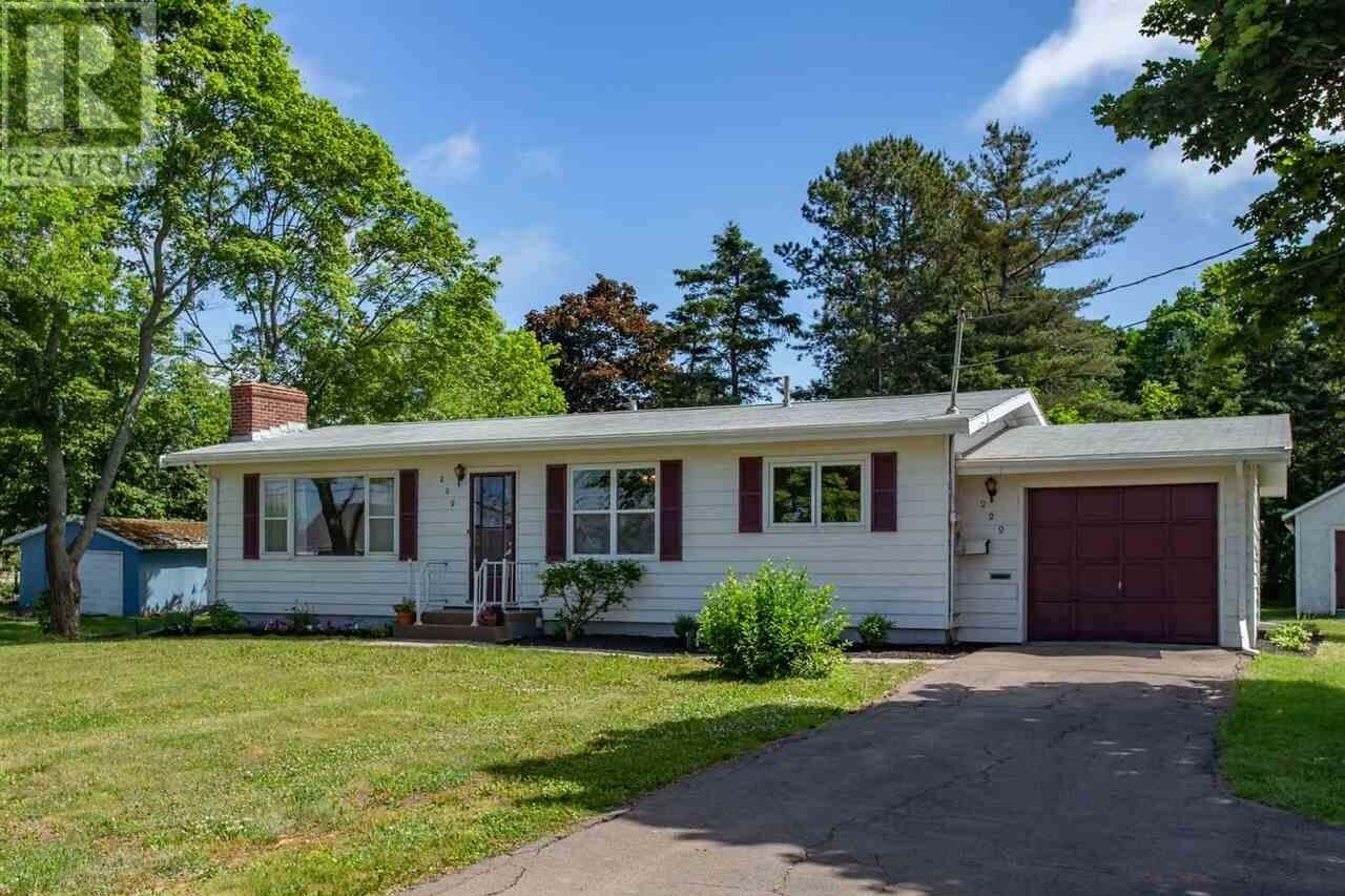 House for sale at 222 Mount Edward Rd Charlottetown Prince Edward Island - MLS: 202011998