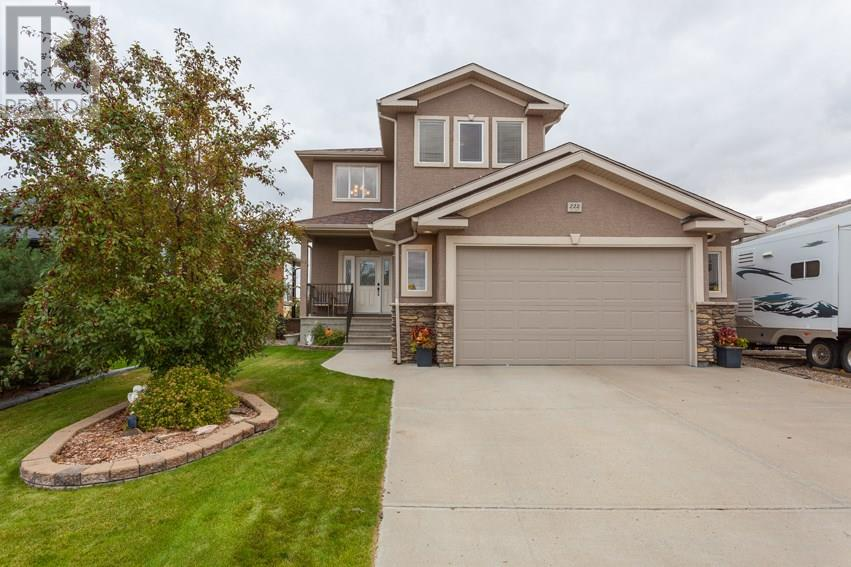 For Sale: 222 Sierra Drive Sw, Medicine Hat, AB | 5 Bed, 4 Bath House for $496,900. See 30 photos!