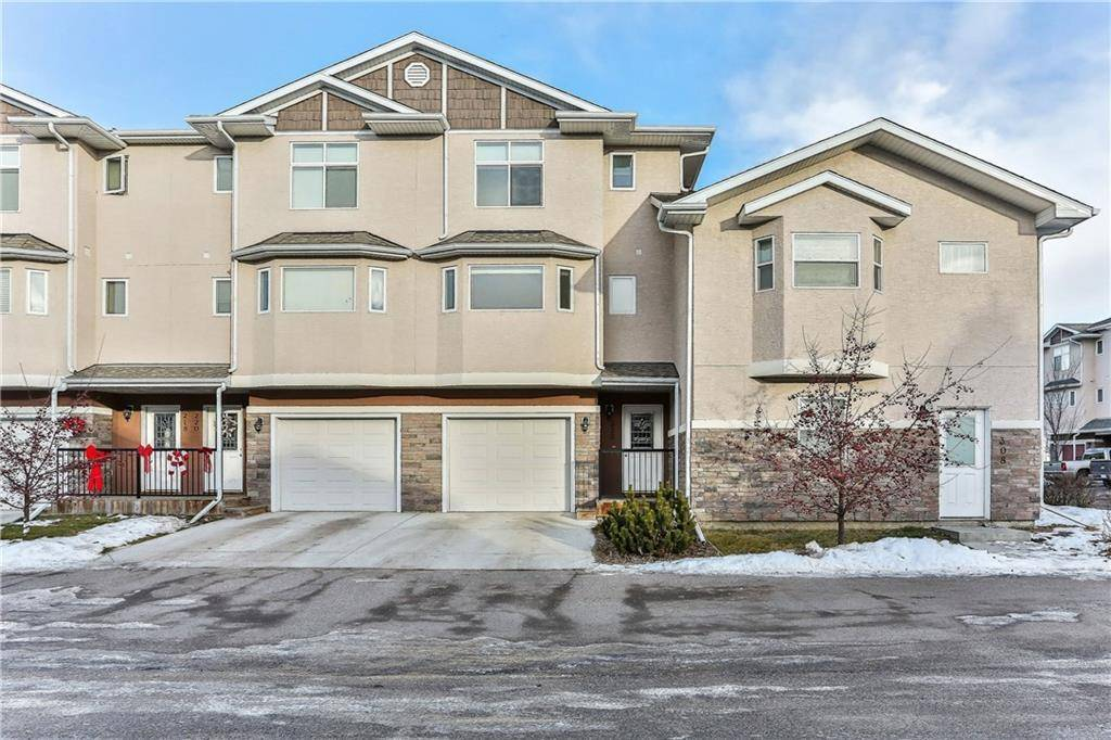 Townhouse for sale at 222 Strathcona Circ Strathaven, Strathmore Alberta - MLS: C4220396