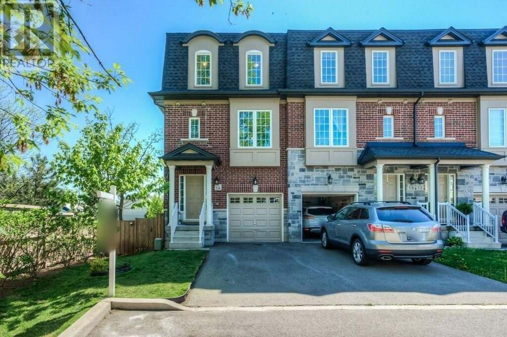 Townhouse for sale at 2220 Queensway Dr Burlington Ontario - MLS: 30809096