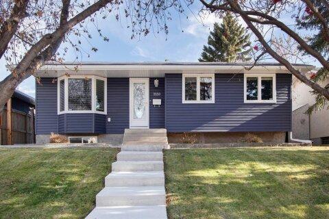 House for sale at 2220 Vista Cres NE Calgary Alberta - MLS: A1044423