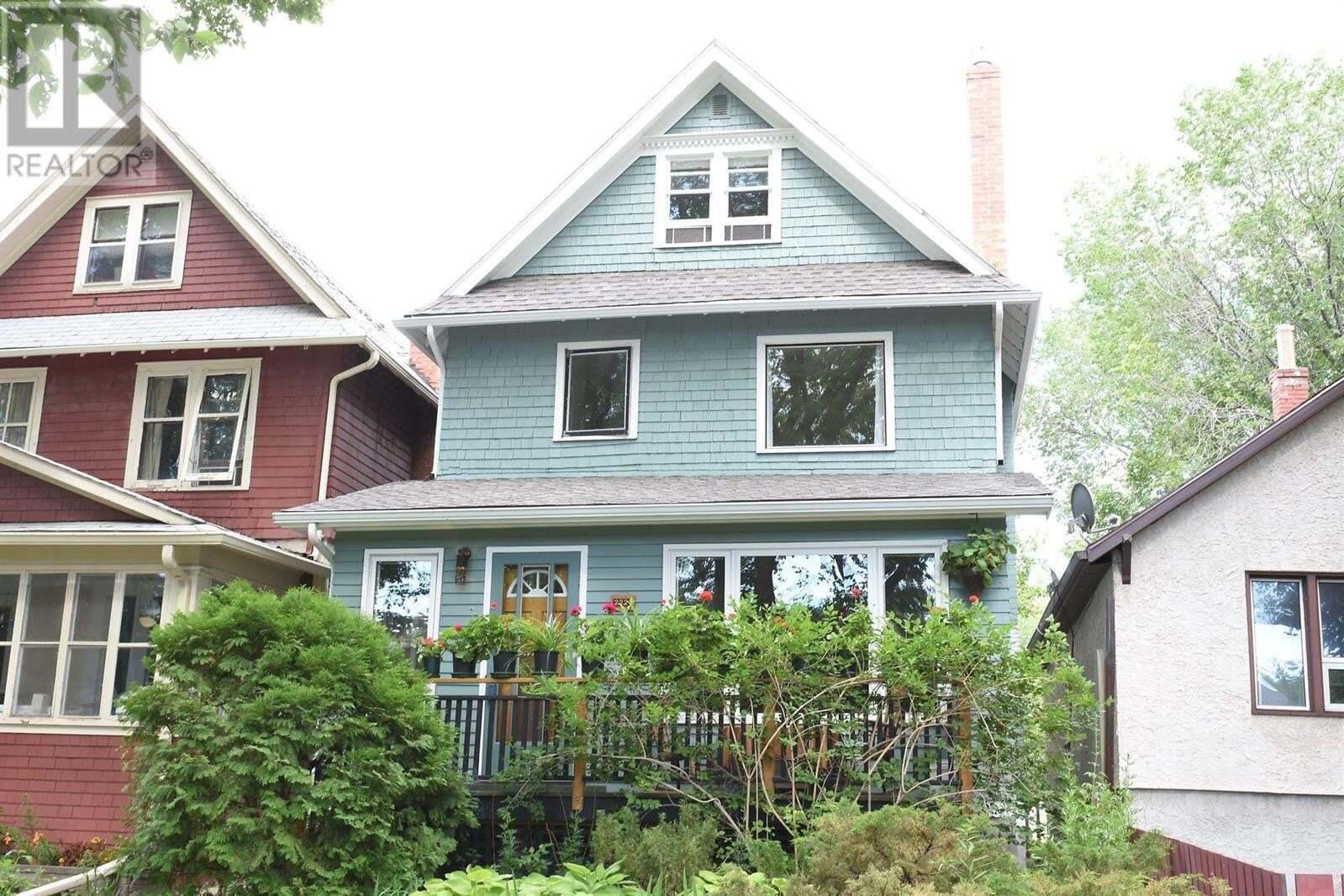 House for sale at 2221 Garnet St Regina Saskatchewan - MLS: SK816836