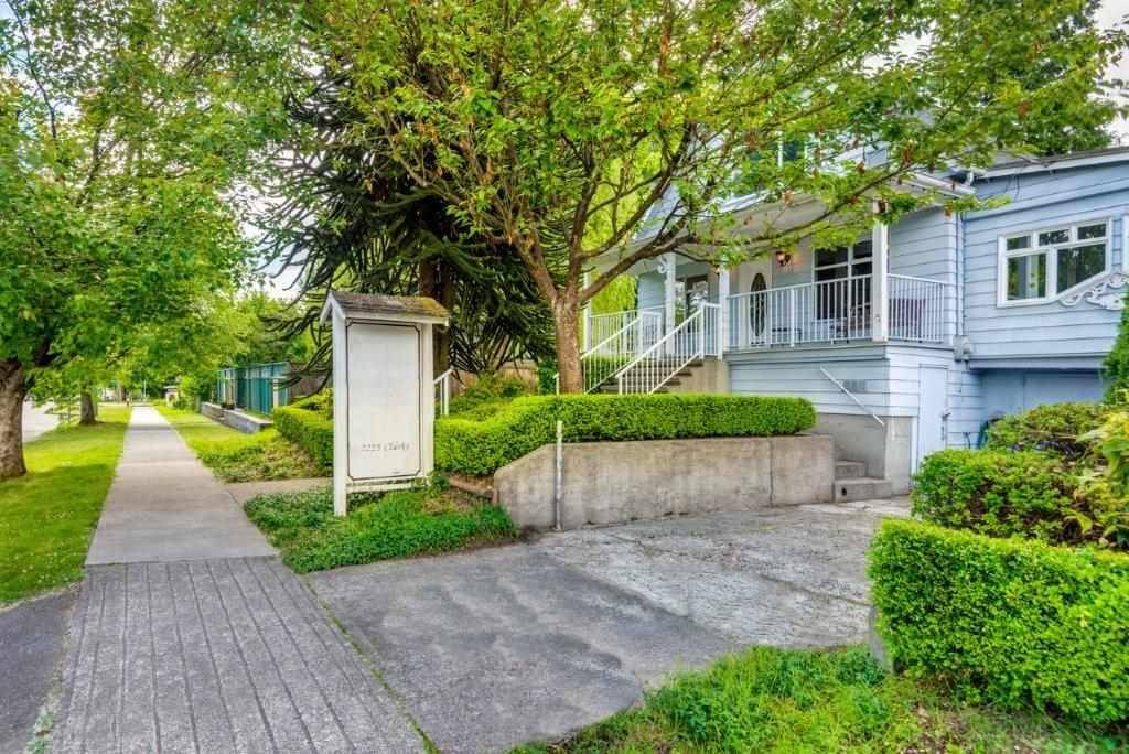 Commercial property for sale at 2225 Clarke St Port Moody British Columbia - MLS: C8028336