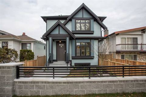 Townhouse for sale at 2227 37th Ave E Vancouver British Columbia - MLS: R2335676