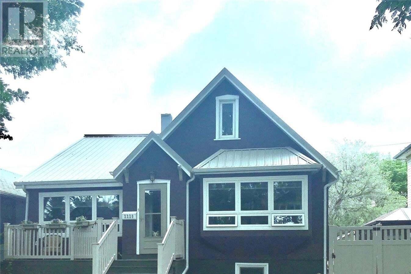 House for sale at 2229 Quebec St Regina Saskatchewan - MLS: SK815770