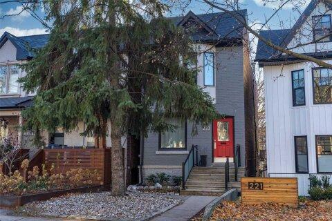 House for sale at 223 Bain Ave Toronto Ontario - MLS: E4998441