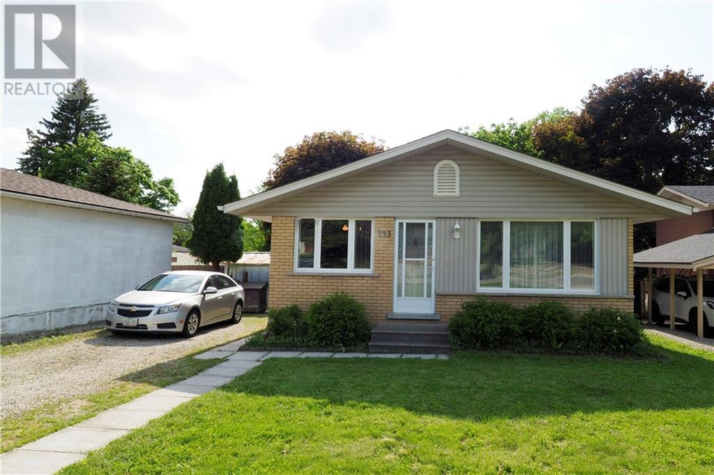 Removed: 223 Carter Avenue, Waterloo, ON - Removed on 2020-06-06 23:18:29