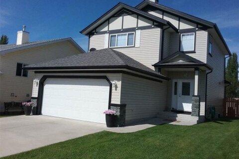 House for sale at 223 Crystalridge Pl Okotoks Alberta - MLS: C4306297