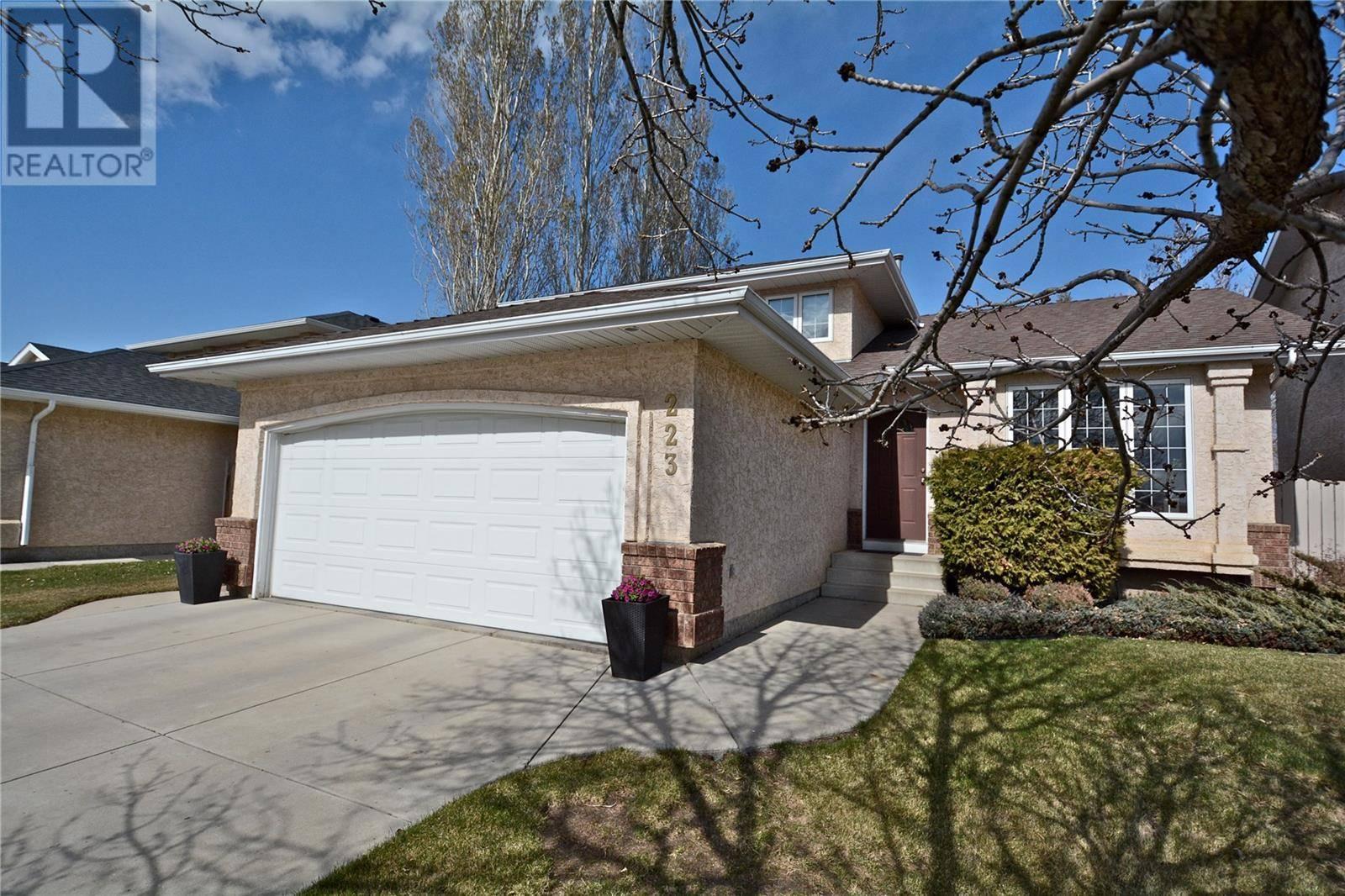 House for sale at 223 Eastman Cv  Saskatoon Saskatchewan - MLS: SK778970