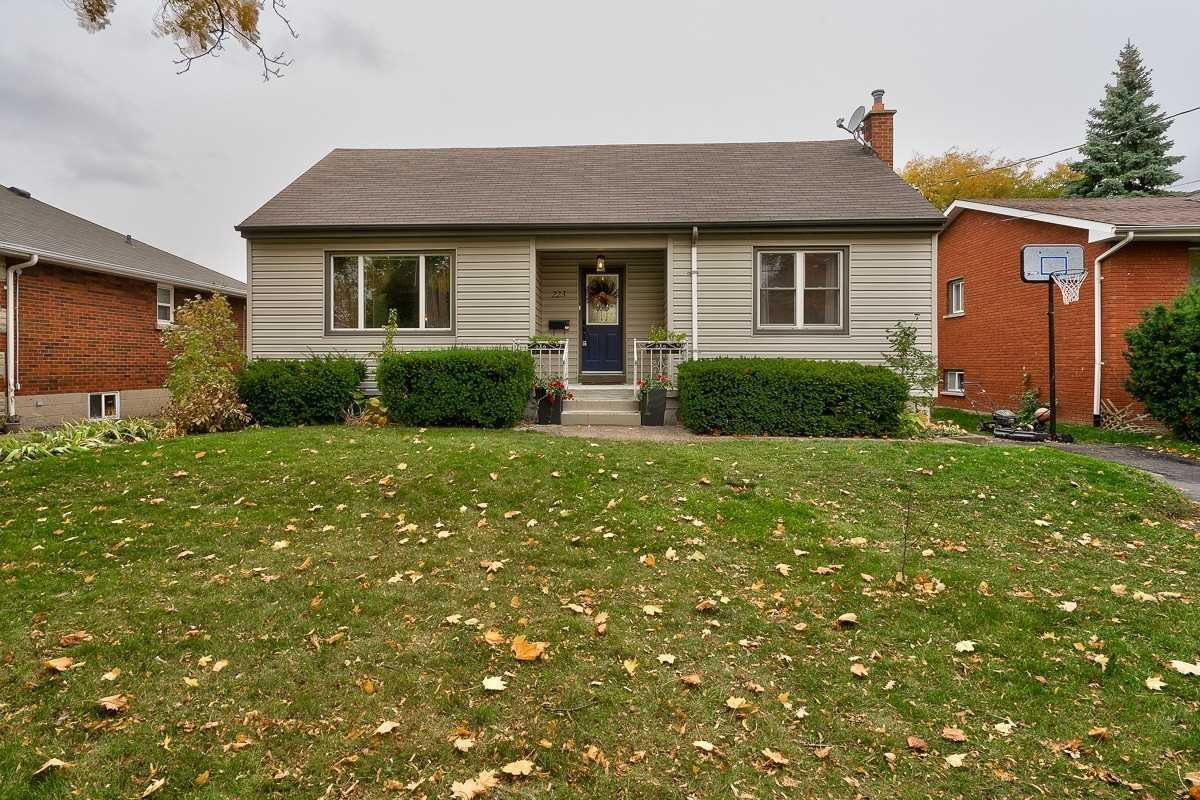 House for sale at 223 Gray Rd Hamilton Ontario - MLS: X4970605